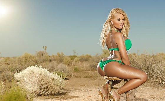 GORGEOUS IN GREEN - AMAZIN AMIE SHOW 32 EXCLUSIVE