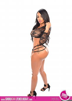INSTAGRAM MODEL ANA MONTANA PLEASES AND TEASES 1